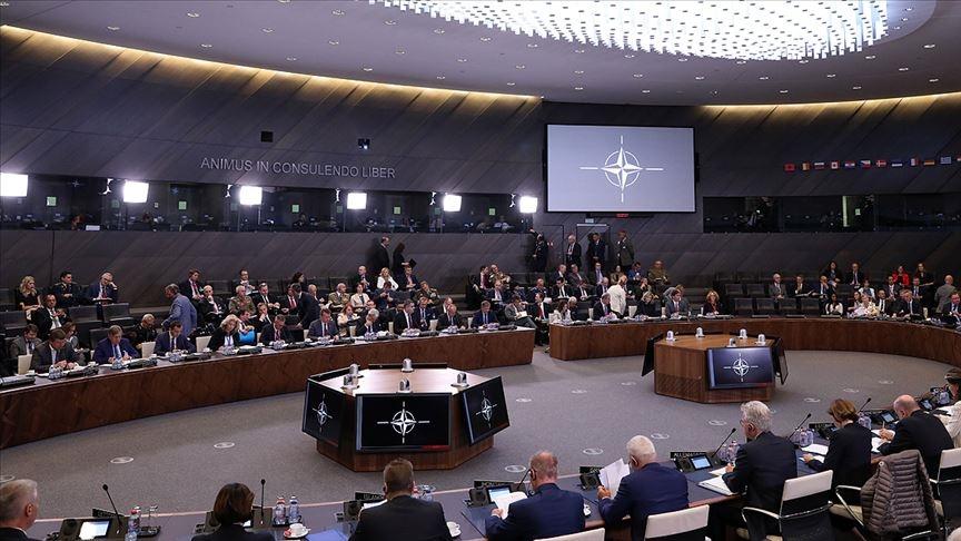 NATO ülkelerinin savunma bakanları Afganistan ağırlıklı gündemle toplandı