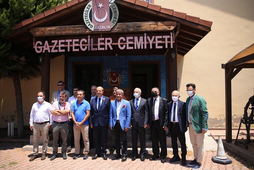 KKTC Cumhurbaşkanı Ersin Tatar, Antalya Gazeteciler Cemiyetini ziyaret etti: