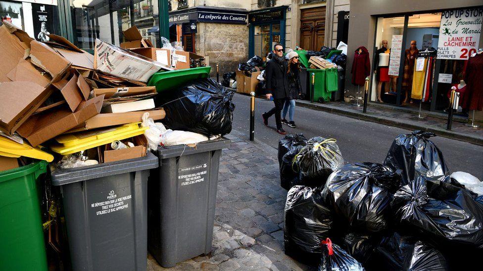 Aşk şehri Paris çöp şehrine dönüştü
