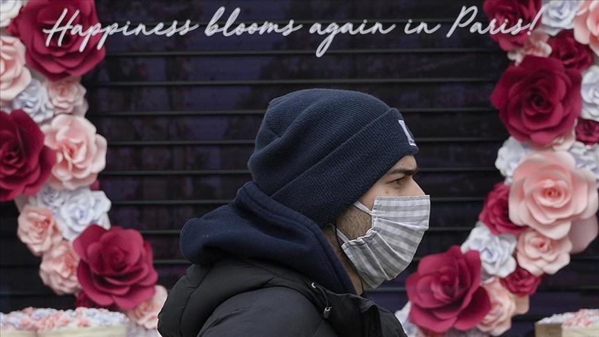 Fransa'da Kovid-19'a yakalanan öğrencilerin sınava girmeye zorlandığı öne sürüldü