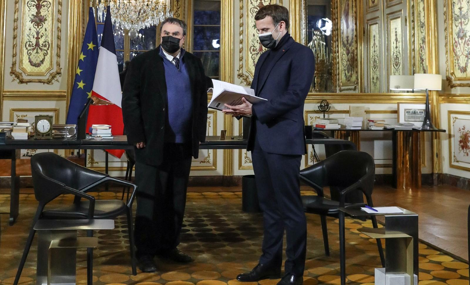 Fransa'nın Cezayir'deki sömürge raporunda, nükleer ve kimyasal denemelerin yapıldığı bilgisi dikkati
