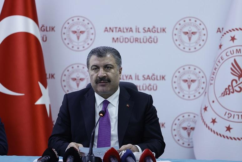 Sağlık Bakanı Koca, Antalya'da İl Değerlendirme Toplantısı sonrası açıklama yaptı