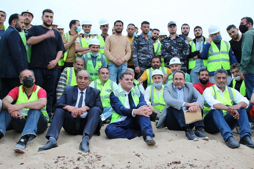 Libya Başbakanı Dibeybe, Trablus elektrik santralindeki Türk işçilerle iftar yaptı