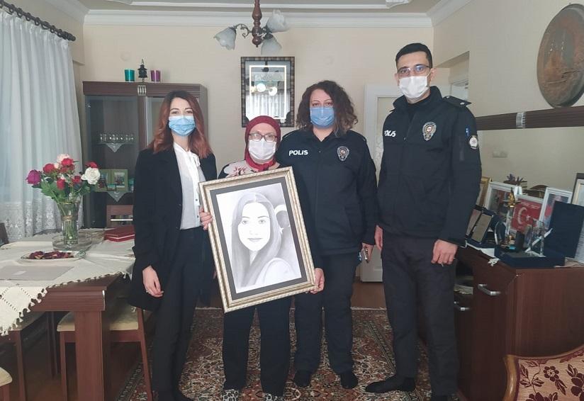 Şehit öğretmen Şenay Aybüke Yalçın'ı Samsun Emniyeti unutmadı