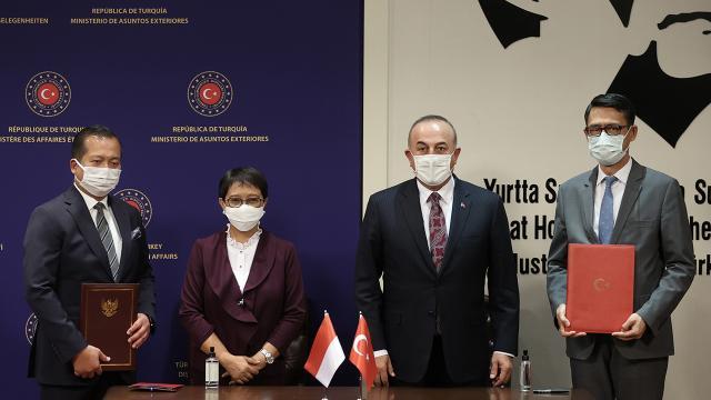Türkiye ile Endonezya aşı sertifikalarını karşılıklı tanıyacak