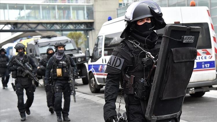 Fransa'da PKK'ya darbe! 7 tutuklama