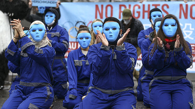 Çin'in Uygurlara yönelik baskı politikaları Berlin'de protesto edildi