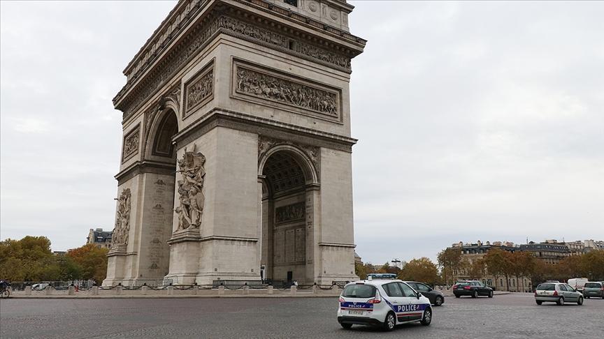 Fransa 76 camiye yapılacak denetimleri bugün başlatacak
