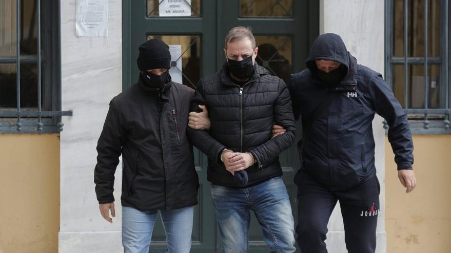 Yunan tiyatro sanatçısı Lignadis, birden fazla çocuğa cinsel saldırı iddiasıyla gözaltına alındı