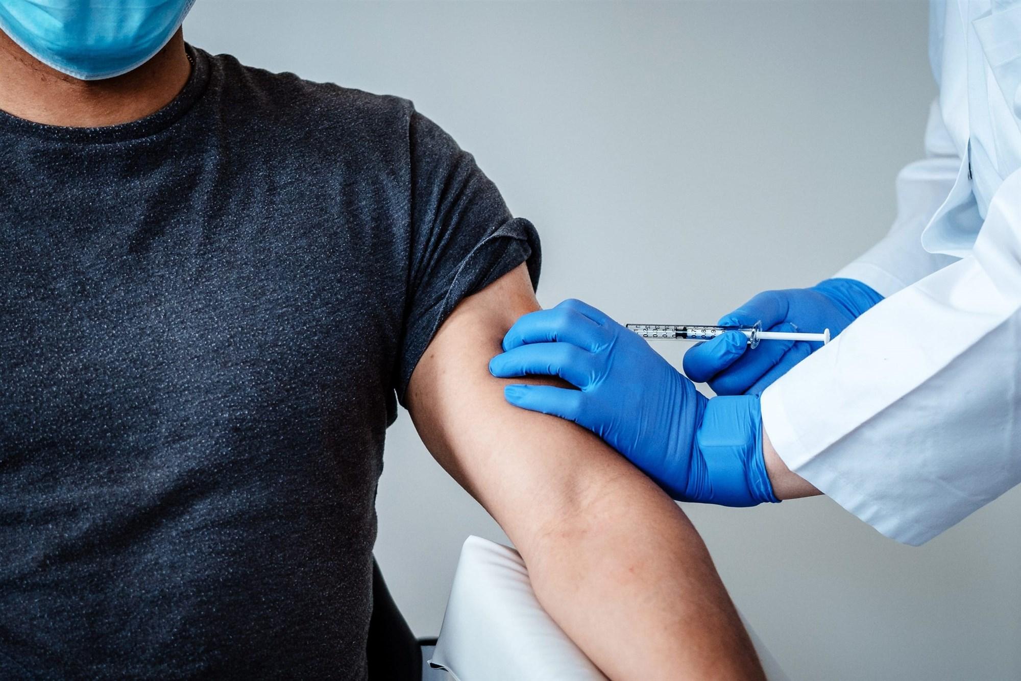 Facebook, Kovid-19 aşıları hakkındaki yanlış paylaşımları kaldıracak