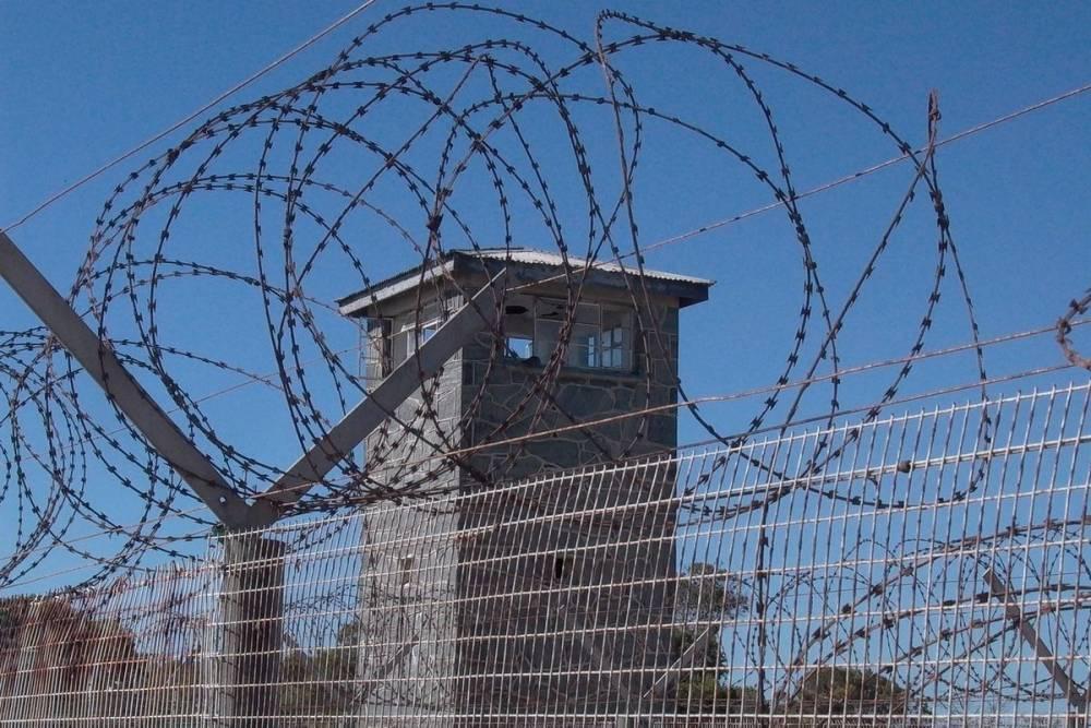Lübnan'da 69 mahkum cezaevinden firar etti