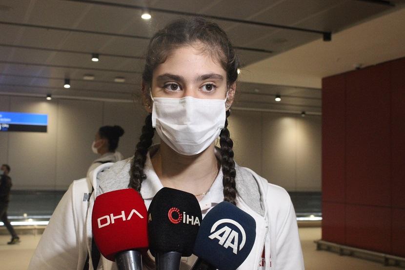 Avrupa ikincisi 17 Yaş Altı Kız Milli Voleybol Takımı, Türkiye'ye döndü
