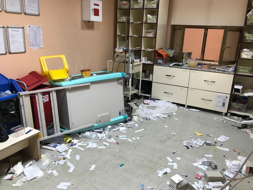 Bingöl'de 112 Acil Sağlık ekibine taşlı sopalı saldırı