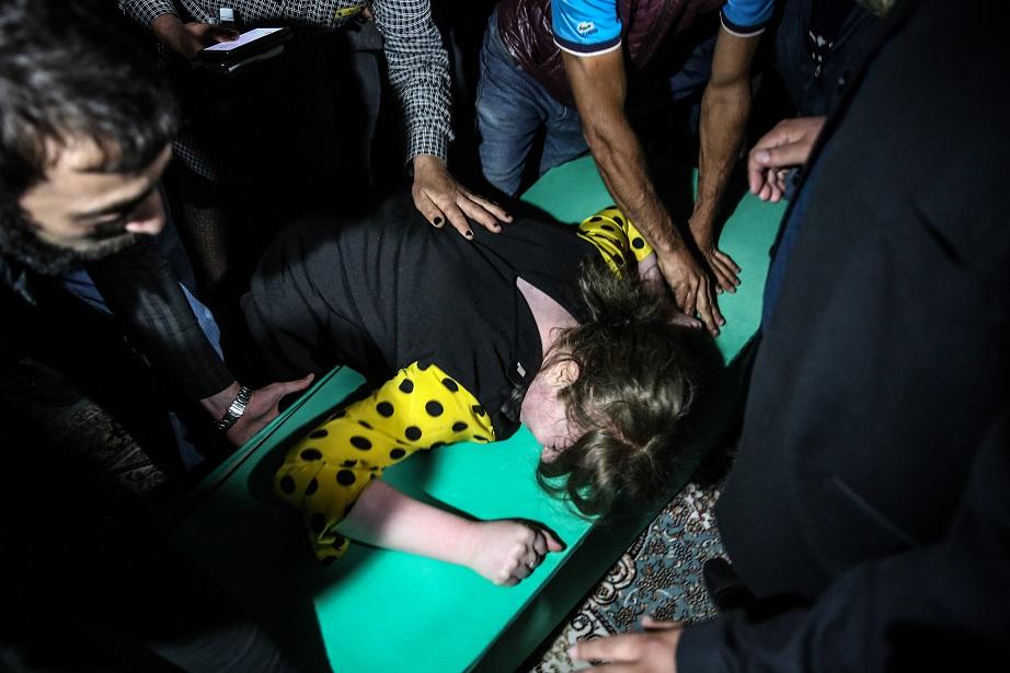Ermenistan'ın mezarlıkta vurduğu Azerbaycanlı siviller son yolculuğuna uğurlandı