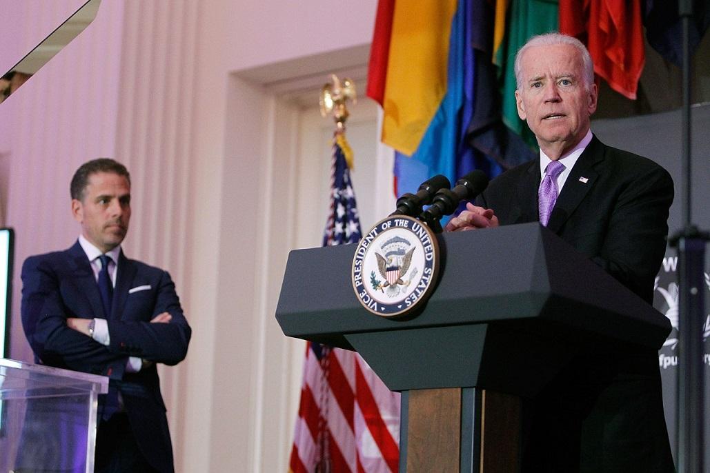 Joe Biden'ın, oğlunun yönetim kurulunda olduğu Ukraynalı şirketle ilişkisi olduğu iddia edildi