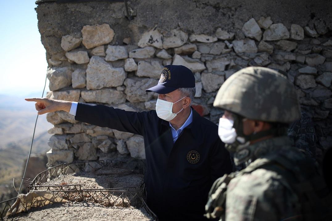 Milli Savunma Bakanı Akar, Irak sınır hattında açıklamalarda bulundu