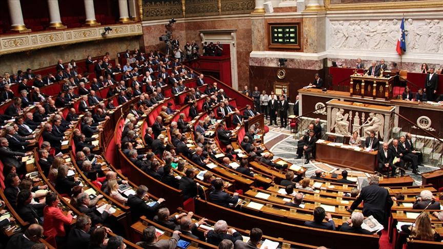 """Fransa'da 16 emekli generalin Meclisteki siyasi gruplara """"iç savaş"""" uyarısı yaptığı ortaya çıktı"""