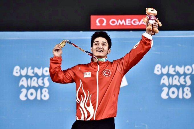 Milli halterci Muhammed Furkan Özbek'ten gençler dünya şampiyonluğu ve olimpiyat kotası