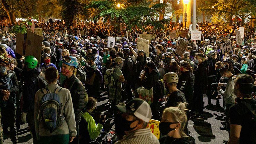 ABD'de Portland'deki federal güvenlik güçlerinin göstericilere müdahalesi diğer eyaletlerde protesto