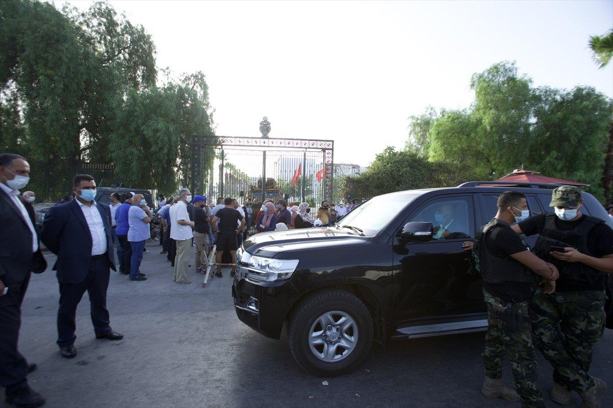 Tunus'taki darbenin arkasında Fransa ve BAE izi