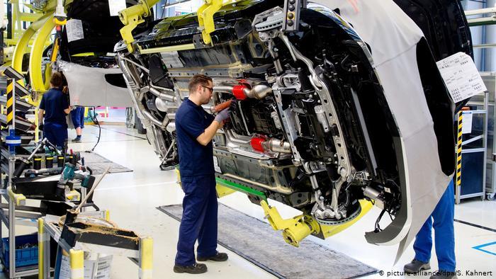Almanya'da imalat sanayi istihdamında rekor düşüş