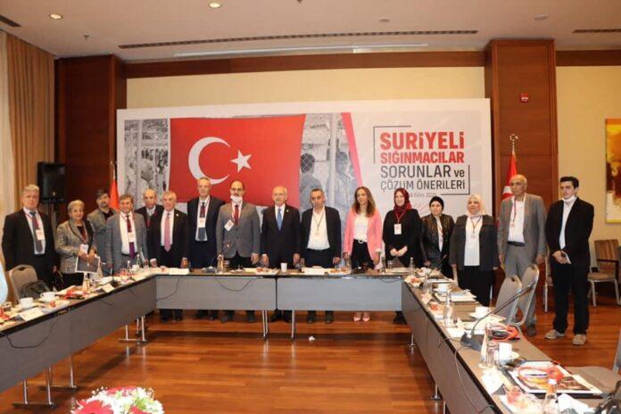 """Kılıçdaroğlu, Suriyeliler ile görüştü: """"Sığınmacıları zorla geri göndermeyeceğiz"""""""