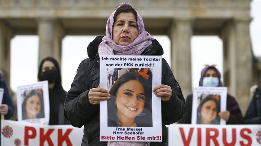 Almanya'da kızı terör örgütü PKK tarafından kaçırılan anne imza kampanyası başlattı