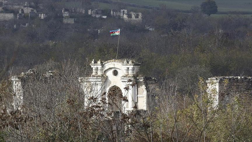 Karabağ'ın meşhur mimarı Karabaği'nin Fuzuli'deki camisinden sadece minare kaidesi kaldı