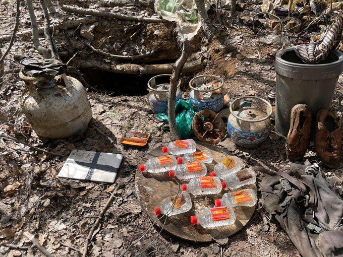 Tunceli'de teröristlerce kullanılan 8 sığınak kullanılamaz hale getirildi