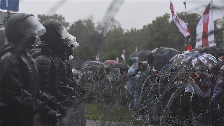 Belarus'taki cumhurbaşkanlığı seçim sonuçları protestolarında 250 gözaltı