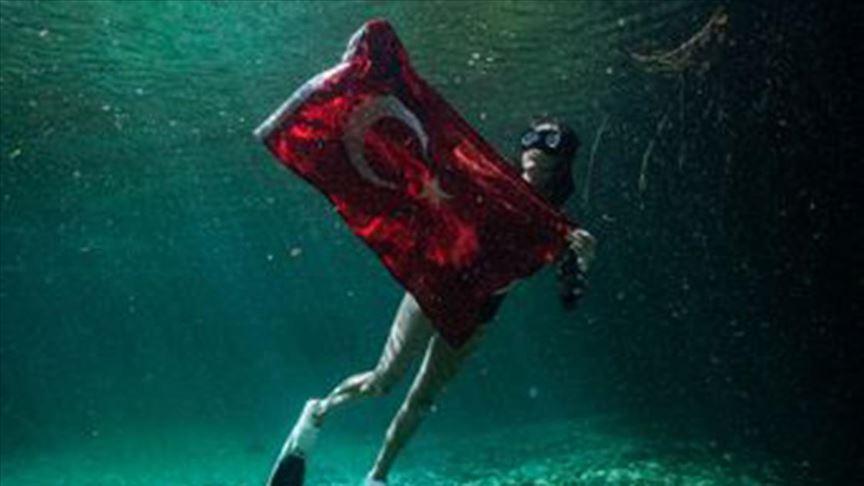 Serbest dalışçı Fatma Uruk'tan dünya rekoru