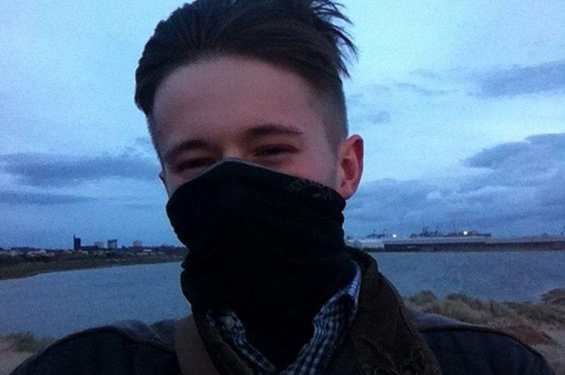 İngiltere'de ilk kez bir polis, neo-Nazi örgüt üyeliği nedeniyle 'terör' davasında suçlu bulundu