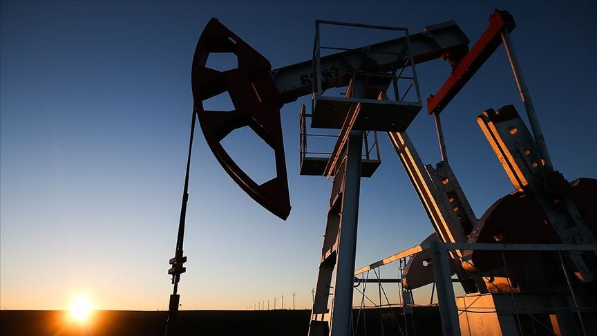 OPEC günlük petrol üretimini 500 bin varil artıracak