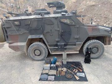 Hakkari'de PKK'lı teröristlere ait patlayıcı, silah ve mühimmat ele geçirildi