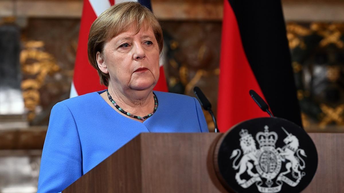Merkel'den sürpriz açıklama! ''AB üyesi olmalılar''