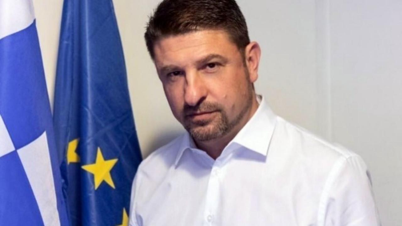 Yunan Bakandan küstah açıklama: Benim emrimle ülkeye alınmadılar!