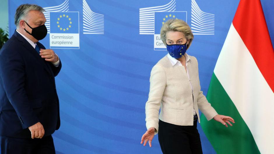 AB Komisyonu'ndan Macaristan'a sert tepki