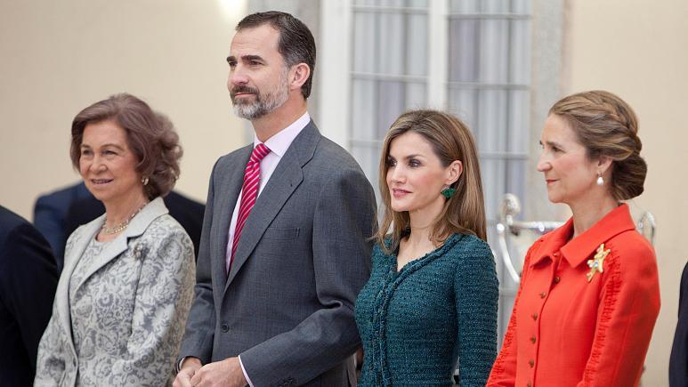İspanyol Kraliyet aile üyelerinin BAE'de aşı olmasına tepki yağdı