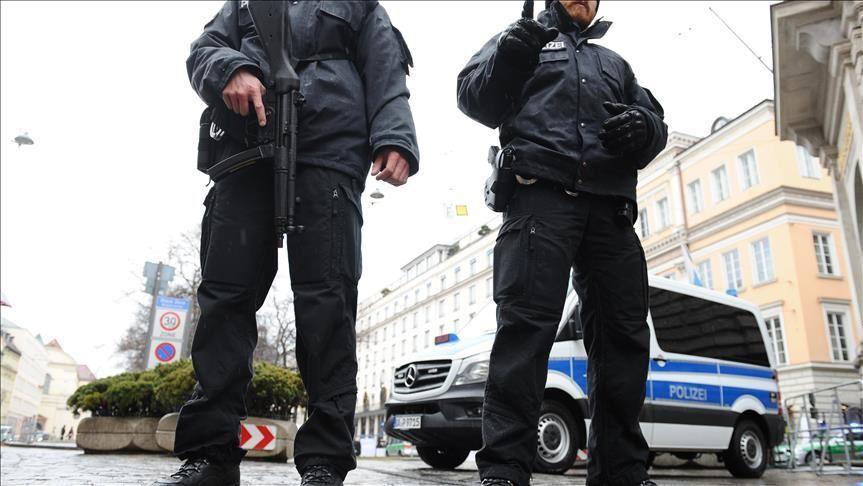 Almanya'da çok sayıda polis hakkında aşırı sağcı içerik paylaşımıı gerekçesiyle inceleme başlatıldı