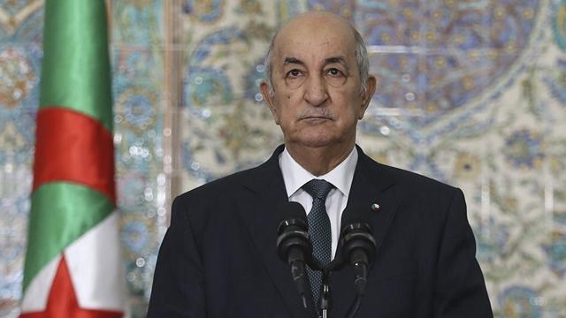 Cezayir Cumhurbaşkanı: Fransa sömürge zamanında 4 bin kişiyi camide infaz etti