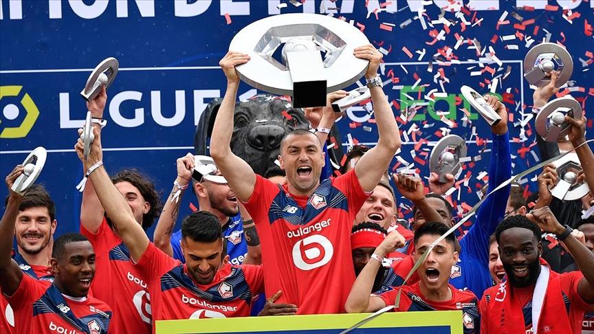 Fransa 1. Futbol Ligi'nde Lille şampiyonluk kupasını aldı
