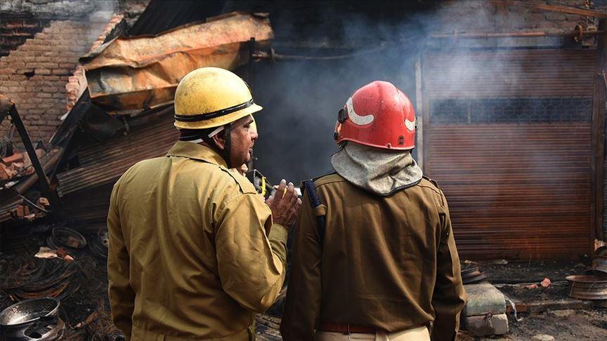 Hindistan'da Kovid-19 hastalarının tedavi gördüğü otelde çıkan yangında 11 kişi öldü
