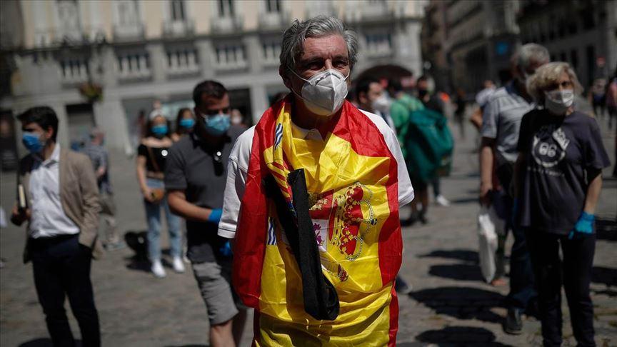 İspanya'da Kovid-19 vakaları son 3 günde 27 bin 404 arttı