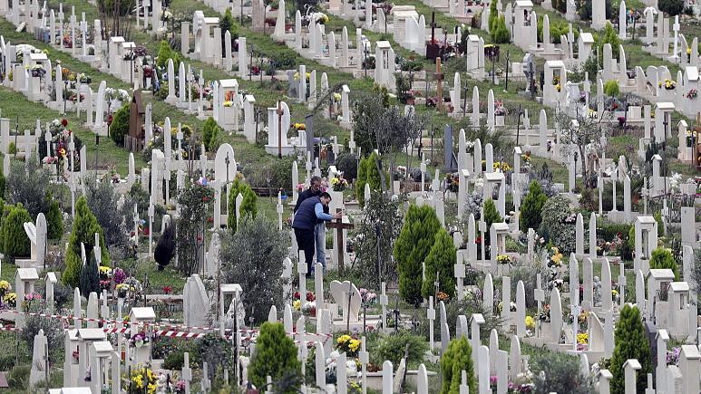 Kürtaj ile alınan fetüs mezarları İtalya'yı şoke etti
