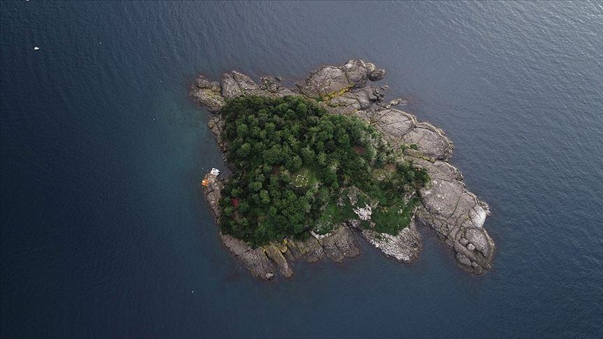 'Mitolojik ada' ziyaretçilerini ağırlıyor