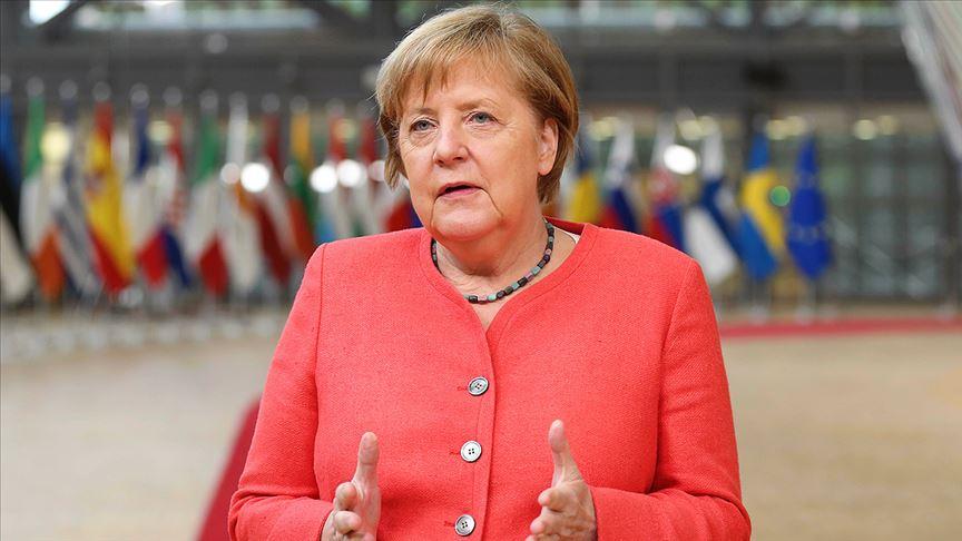 Merkel ülkede yeni alınan Kovid-19 tedbirlerini savundu